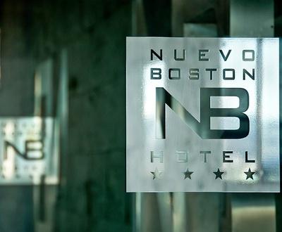 Halle Nuevo Boston Hotel