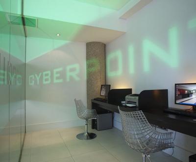 Cyber-Ecke Nuevo Boston Hotel